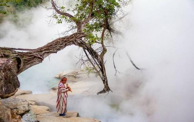世界上最热的河 动物掉入瞬间被烫死