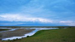 青海湖景点-倒淌河