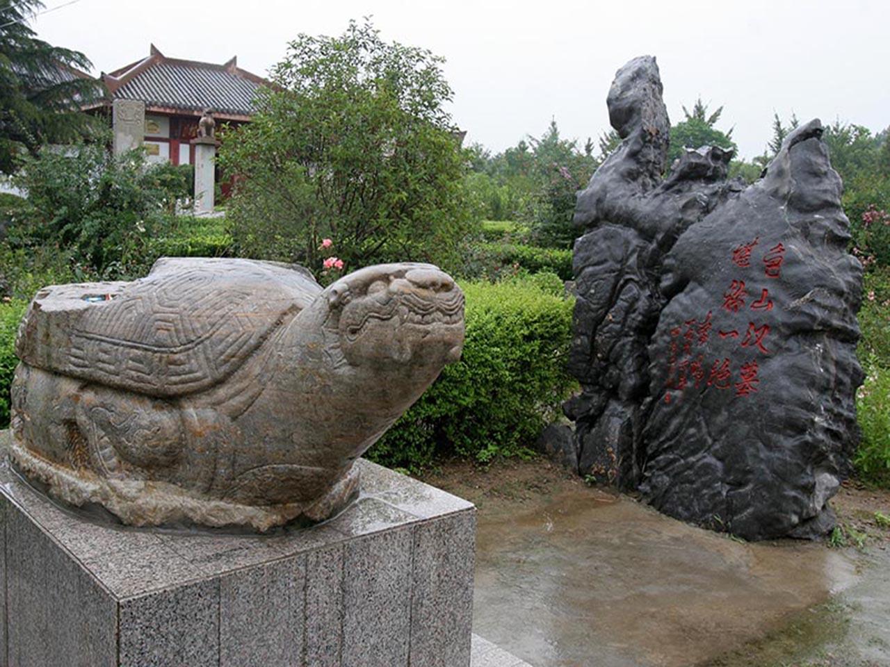 龟山汉墓平面图