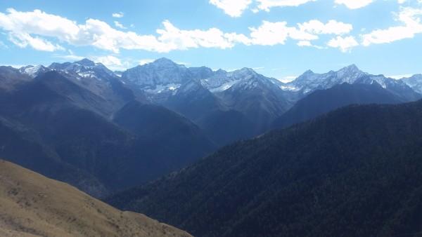 下图为成都到四姑娘山沿途风景