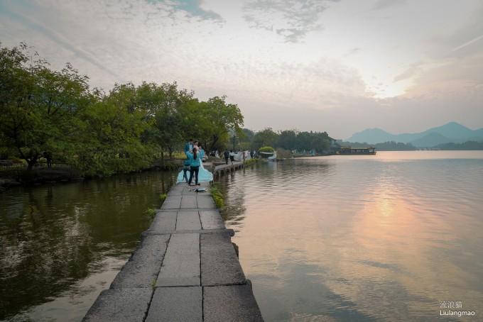 湘湖有几个湖心岛.通过桥连接.