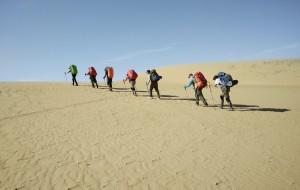 【阿拉善左旗图片】3.5天70公里,由西向东,重装徒步穿越乌兰布和大沙漠!