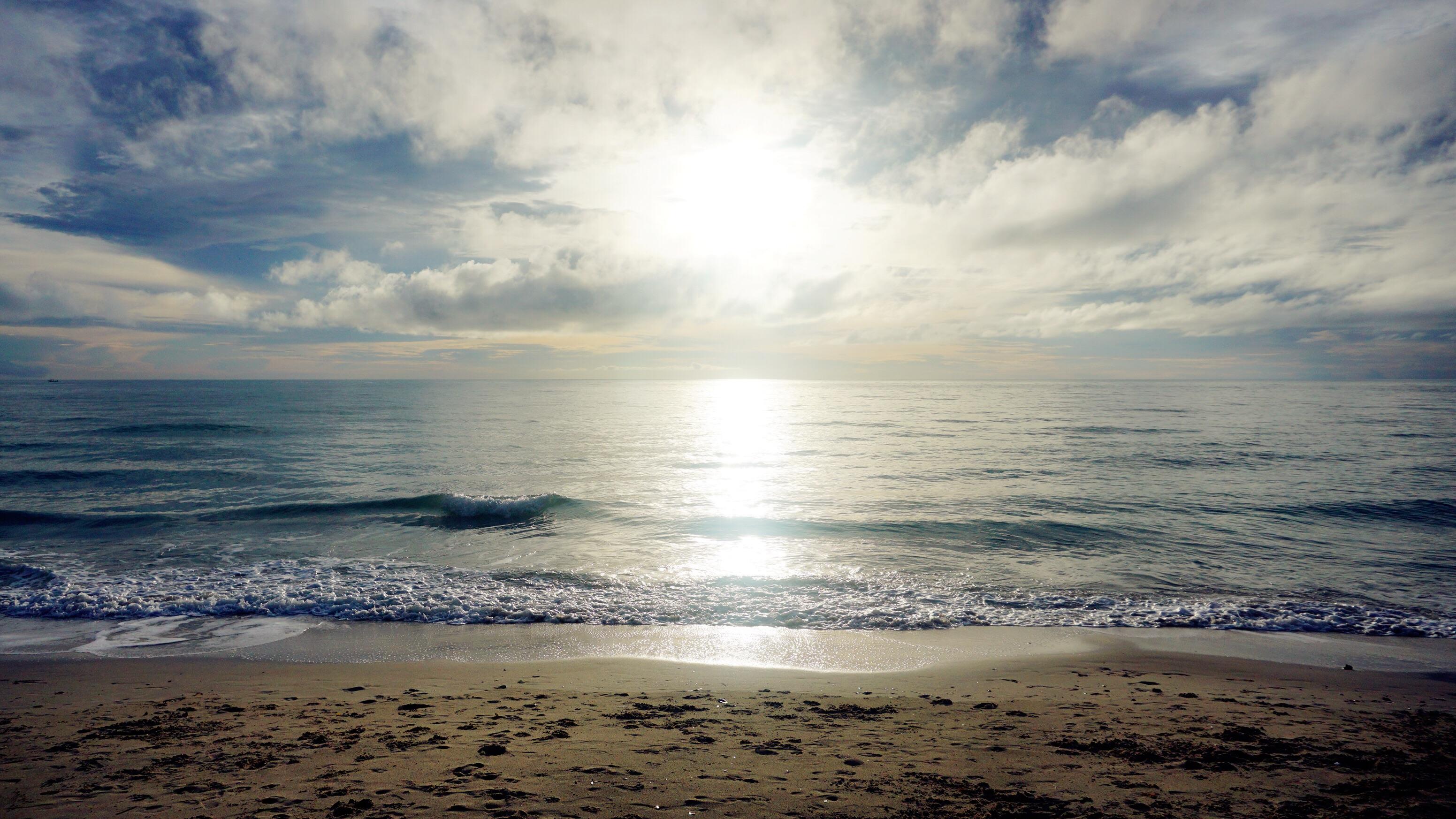酒店餐厅外的沙滩6:00am##圣苏西苏梅