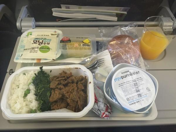 坐的是大韩航空,大韩的飞机餐感觉还是不错的