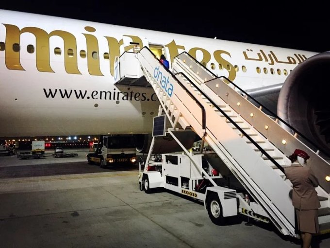 广州到迪拜飞机