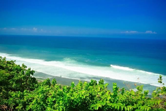 巴厘岛的历史变迁~并且可以沿着旋转楼梯爬到顶楼俯瞰整个巴厘市全景